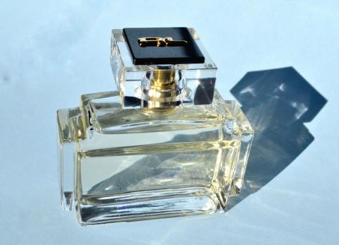 香水の効果的な使い方
